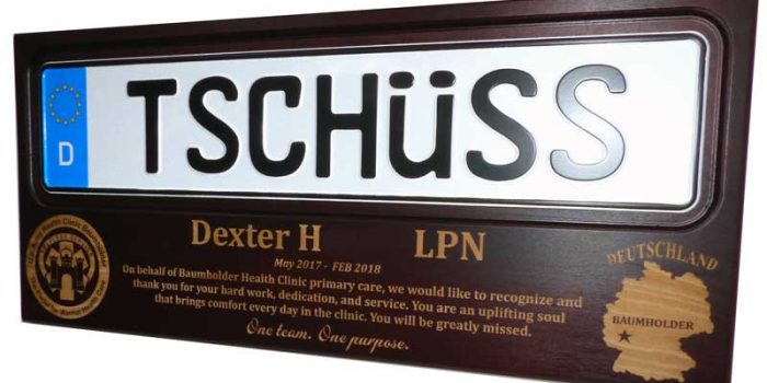 License Plate Plaque Dark Wood Trophy Shop Frameshop Embroidery Coins